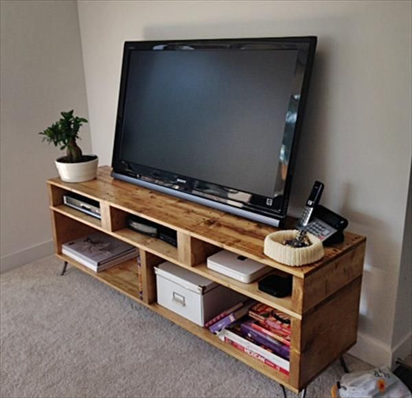 diy pallet tv stand and console build taller possibly with dvd and game storage on sides