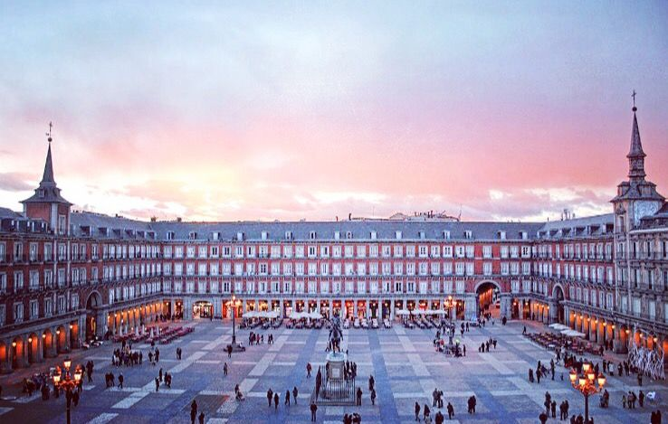 Plaza Mayor de Madrid In the historical neighborhood, near Puerta Del Sol, la  Plaza Mayor is a big pedestrian p… | Madrid spain travel, Madrid travel,  Spain travel