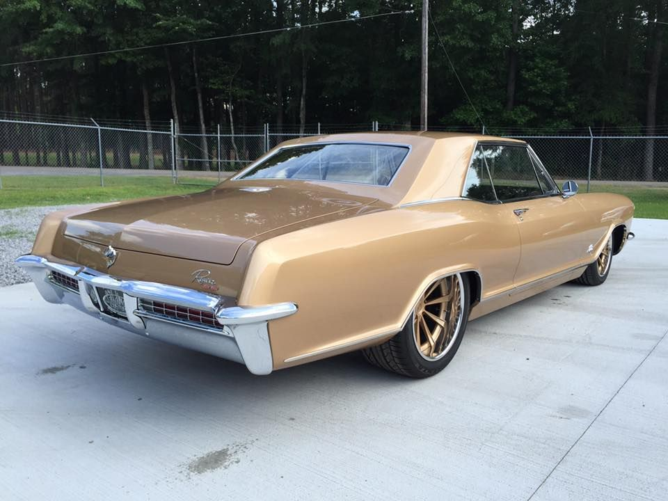 1965 Buick Riviera with a 6.2 L LSA V8