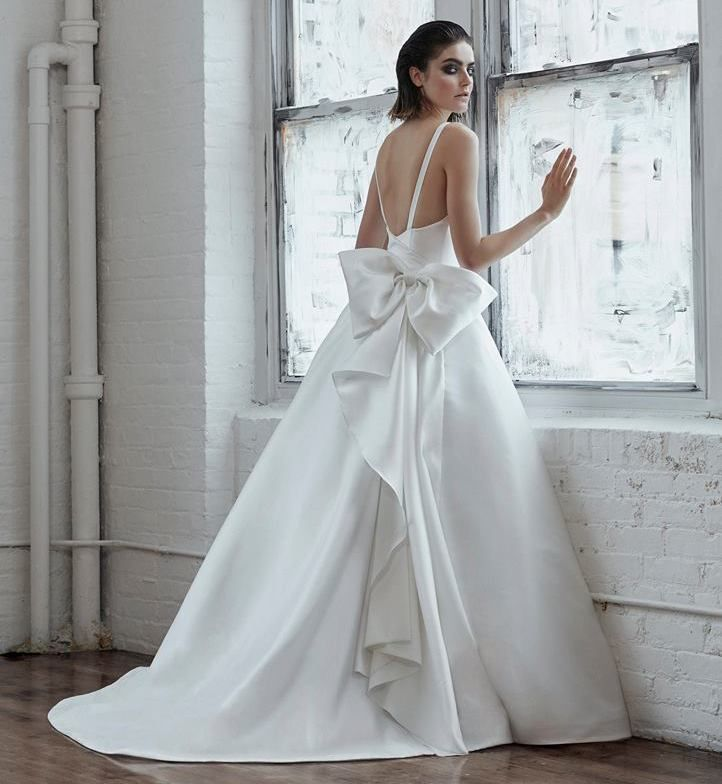Suknia ślubna Isabelle Armstrong Fall 2018 | Fashion <3 | Pinterest ...