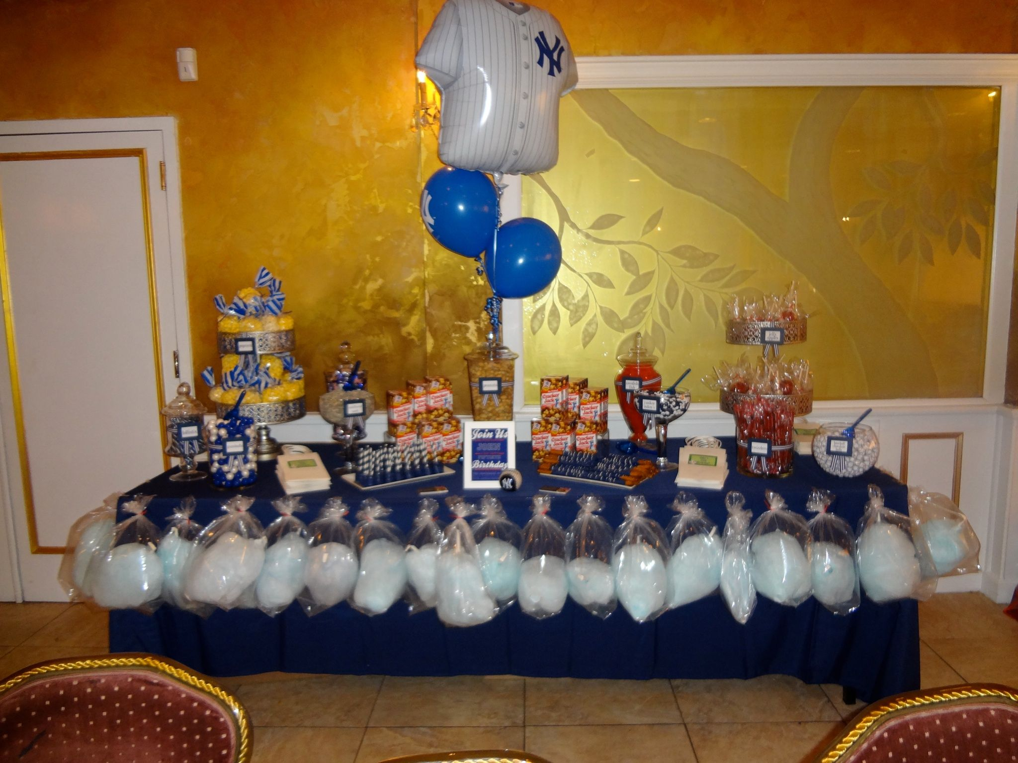 Birthday table decorations for men - Yankees Theme 50th Birthday Men S Candy Table And Balloons Www Experiencecreativitee