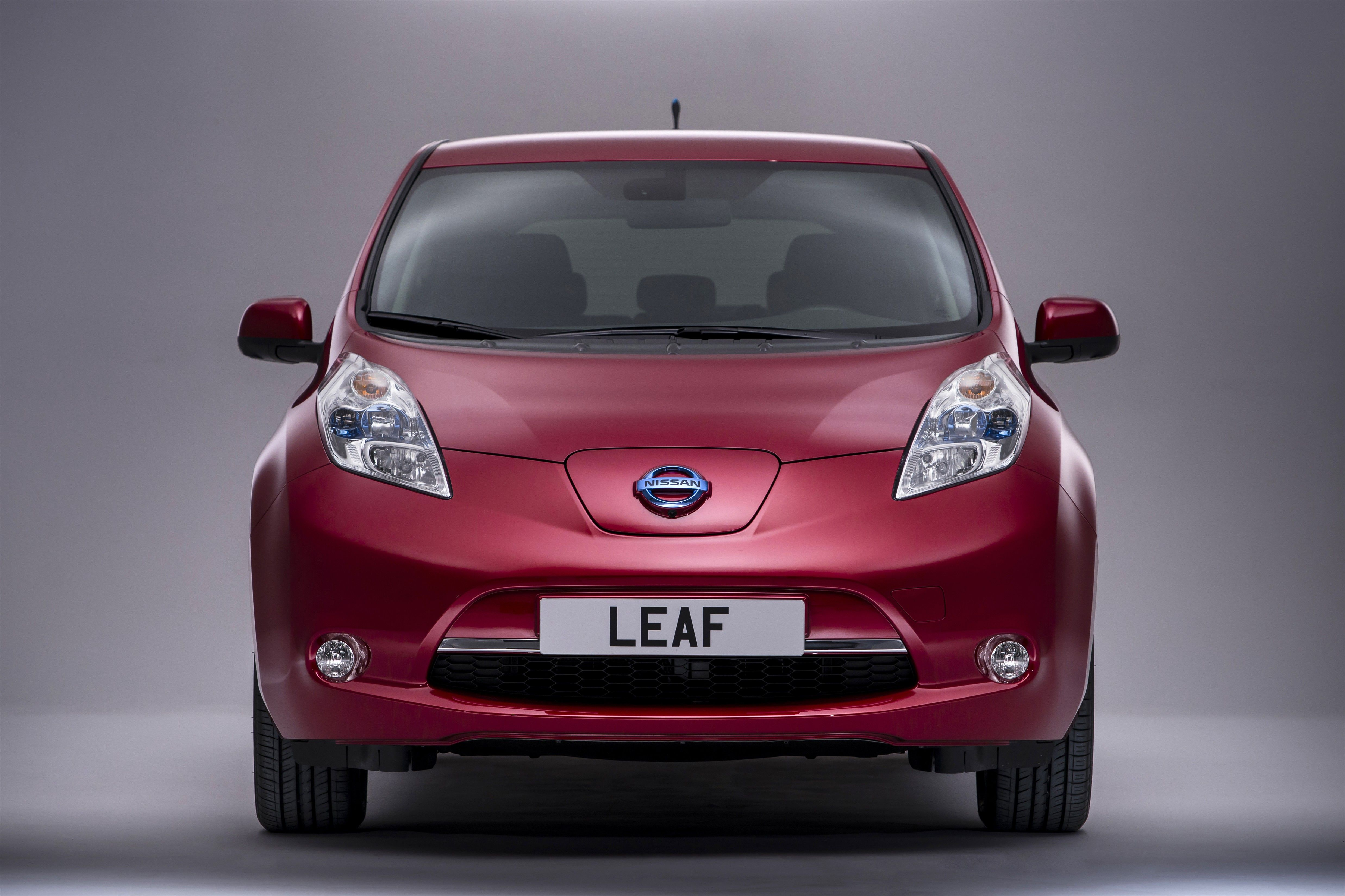 used only leaf price competitor nissan tesla model true