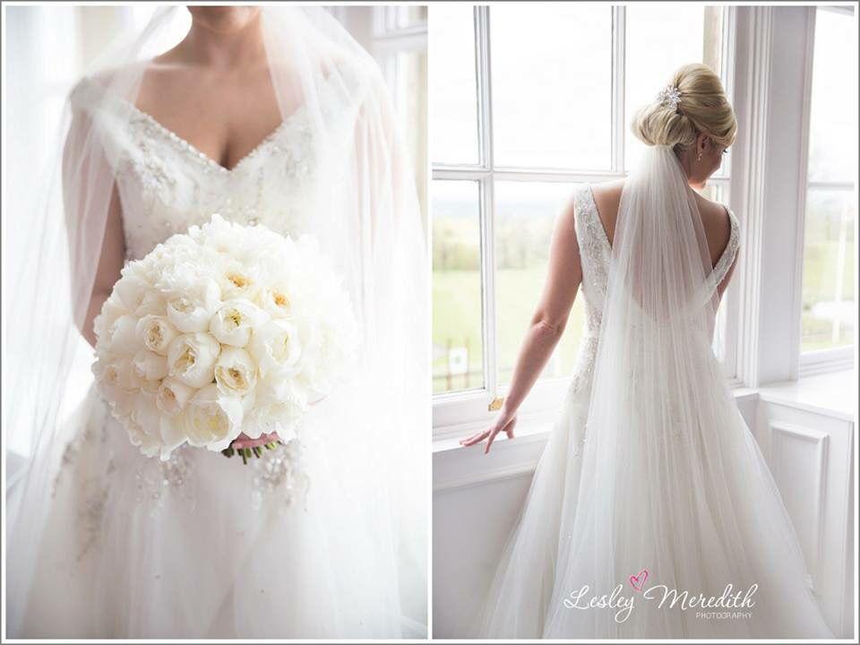 #beautifulbrides #whitebouquet @shrigleyhall #peonies #veil #ladyphotographer #weddings #whiteweddings