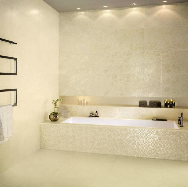 keramik mosaikfliesen f r wandgestaltung im badezimmer badewanne w nde bathroom inspiration. Black Bedroom Furniture Sets. Home Design Ideas