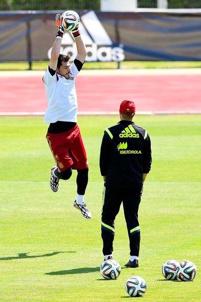 Iker Casillas Photos Photos  Spain Training Session  d3b0a82495b1d