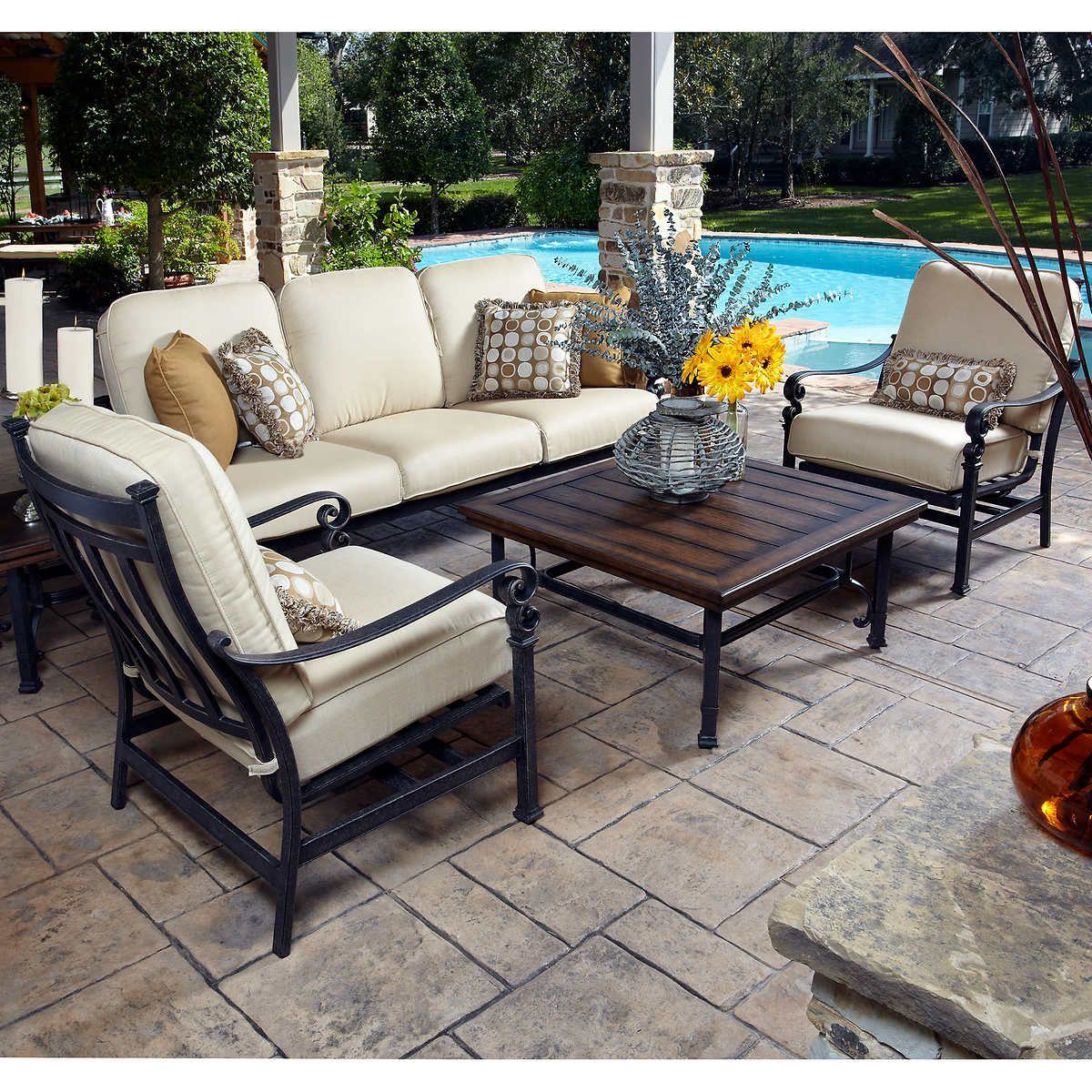 Costco Furniture Outlet: Meridian 5-piece Seating Set