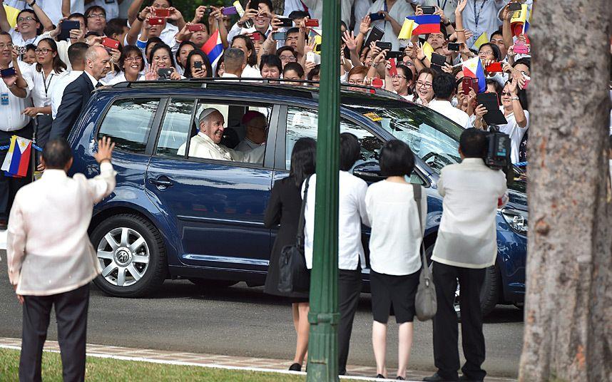 pope ferrari. pope francis arrives prior to his meeting with philippine president benigno aquino iii at malacanang presidential ferrari