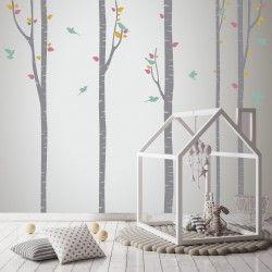 Un entorno natural para la habitación infantil es posible con vinilos decorativos. Estos vinilos en forma de árboles forman un bosque muy acogedor. https://nowayvinilos.com/es/home/195-3-abedules-vinilo-decorativo-decoracion-infantil.html