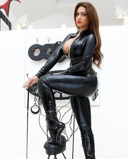 Domina TS MISS SULINA | latex | Leather, Latex und Catsuit