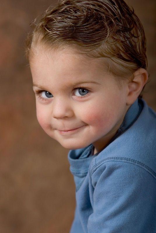 30 coiffures tendance pour petit garçon Portrait enfant