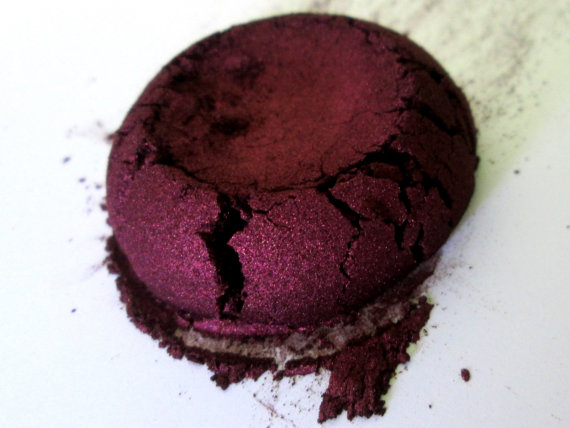 Sinful - Burgundy Eye Shadow - Natural - Mineral