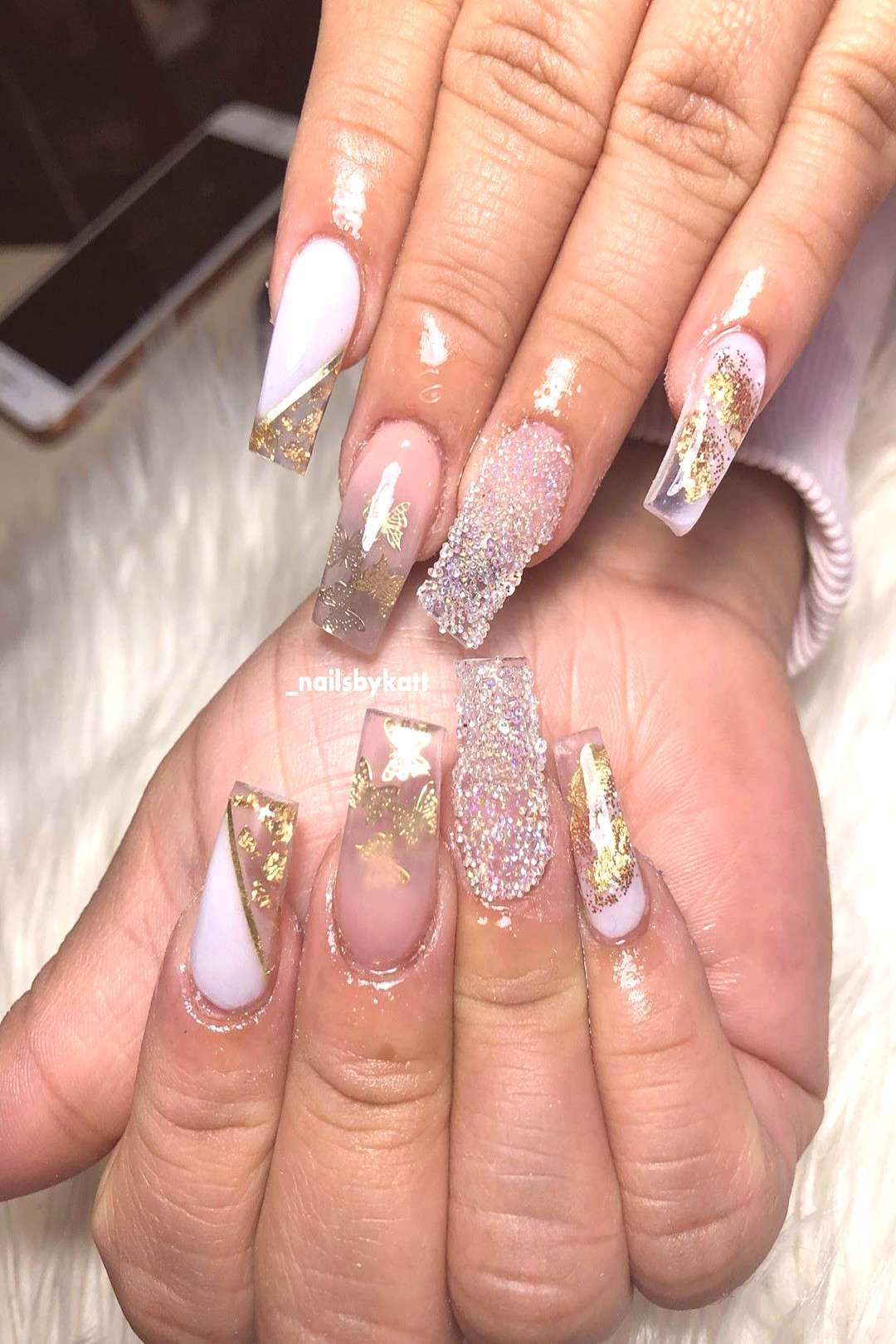 #acrylicnails #butterflies #coffinnai #nelfies #closeup #people #these #love #gold #more #one #and #or Love these Gold butterflies * * #acrylicnails #nelfies #coffinnaiYou can find Nail tutorials and more on ...