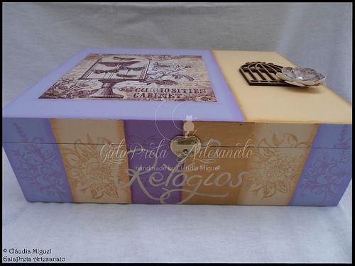 """Caixa para 12 relógios e caixa de maquilhagem """"Vintage Lilac Paris""""-a decoração da face anterior."""