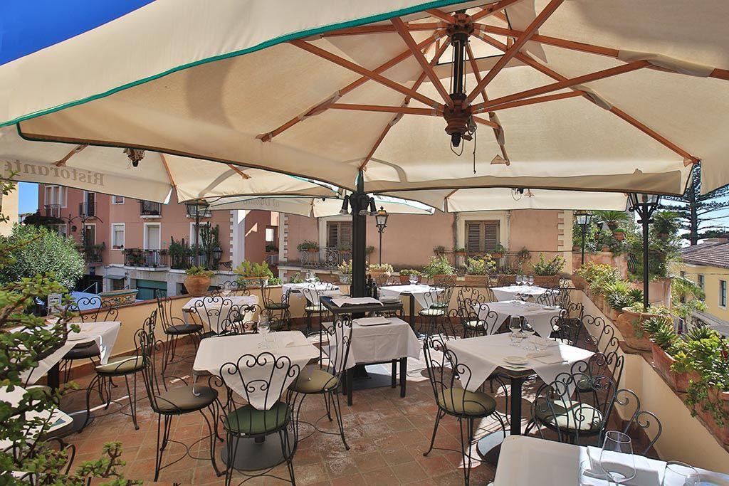 Ristorante il duomo upper level patio piazza del duomo taormina sicily