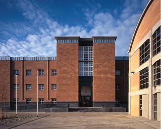 Aldo rossi bonnefantenmuseum google zoeken for Architect zoeken