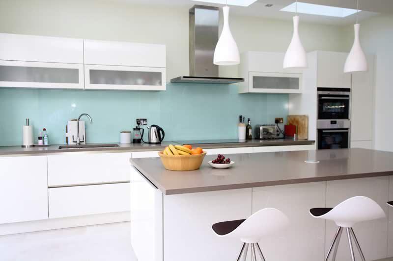 Aqua Kitchen Splashback Handleless Kitchen Glass Splashbacks Kitchen Kitchen Remodel