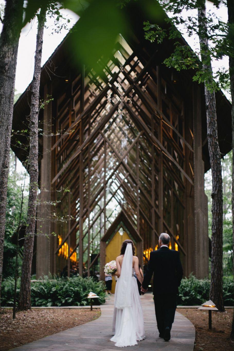 Page Joe A Glass Chapel Wedding Arkansas Wedding Venues Beautiful Wedding Venues Wedding Venues