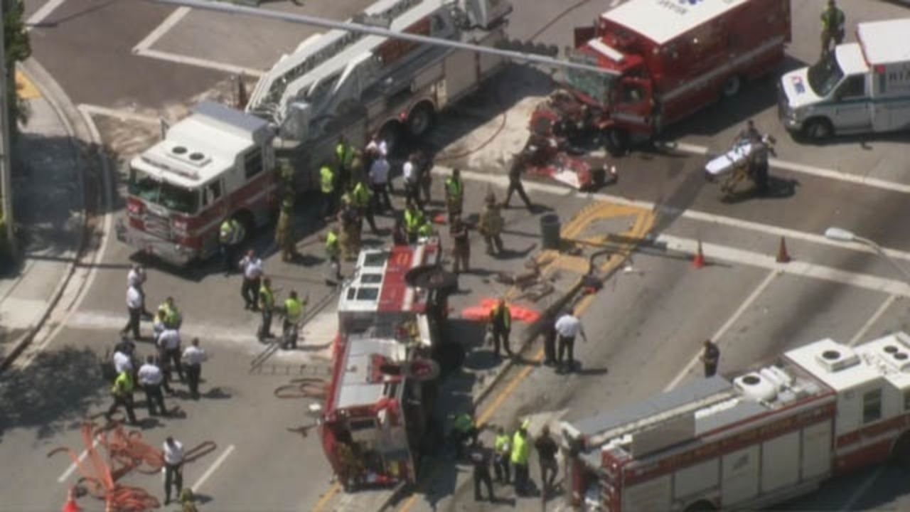 Ambulance And Fire Truck Crash Miami With Images Fire Trucks