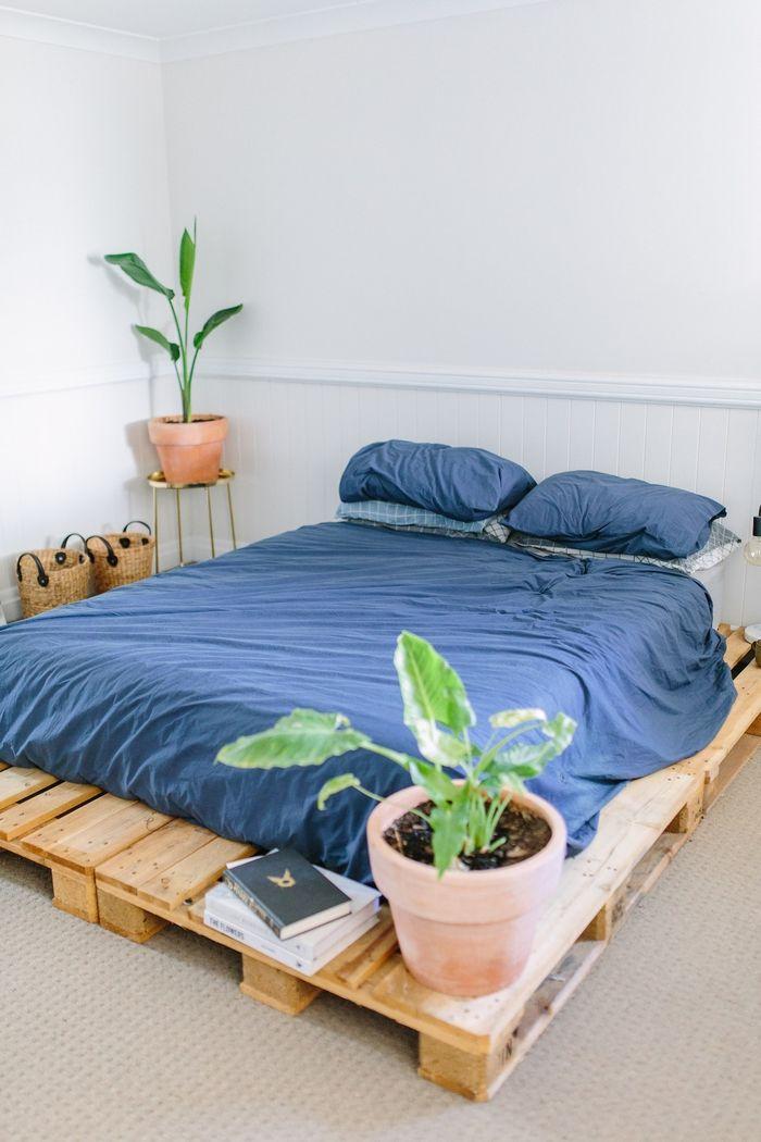 1001 id es comment fabriquer un lit avec des palettes. Black Bedroom Furniture Sets. Home Design Ideas