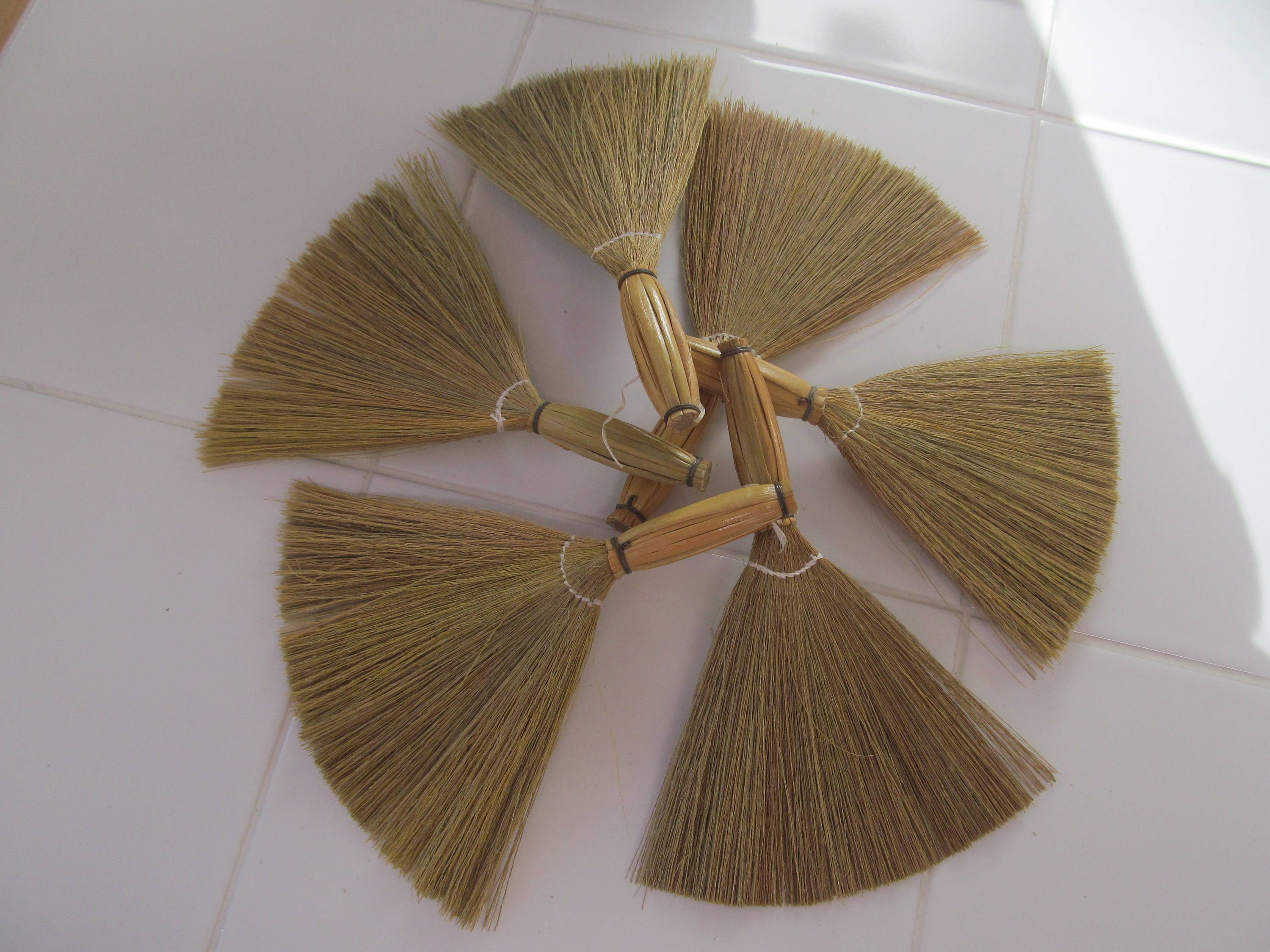 Set of 6 Mini Brooms for Wedding Favors or Craft Projects | Wedding Broom Favor | Broom Dolls #broomdolls
