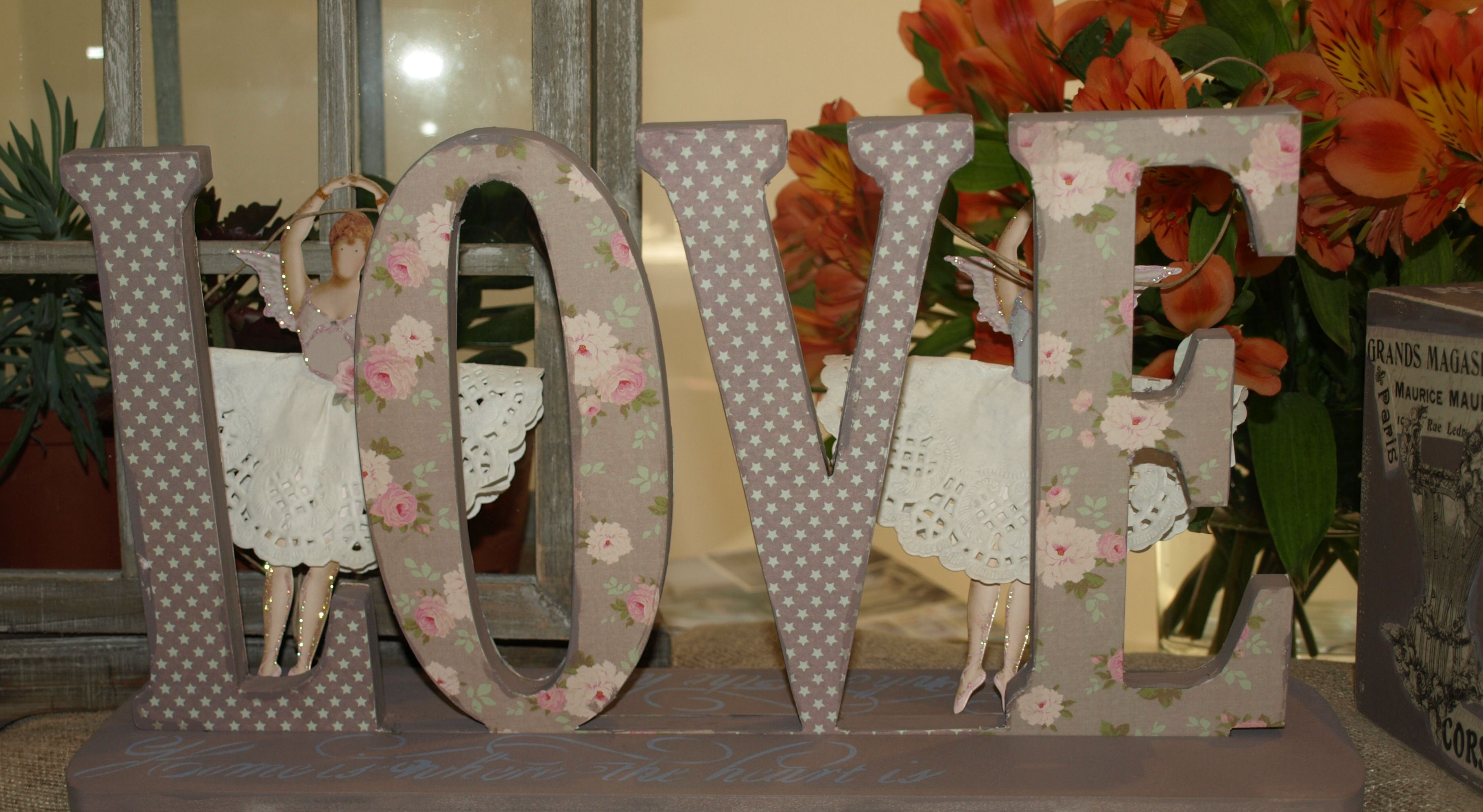 Love letras de madera decoradas con papel scrap letras - Letras en madera ...