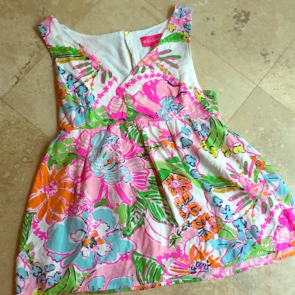 EUC Rare Nosey Posey Lilly Pulitzer for Target Top EUC. Lilly for Target top in Nosey Posey. Lilly Pulitzer Tops