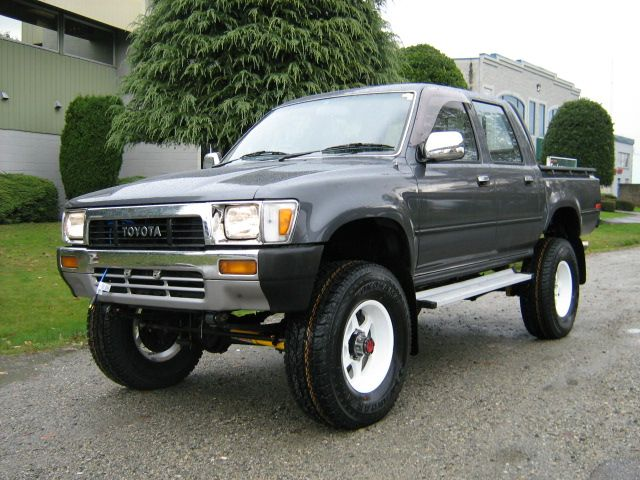 Toyota Hilux 4x4 Crewcab Diesel Truck Toyota 4wd Pinterest