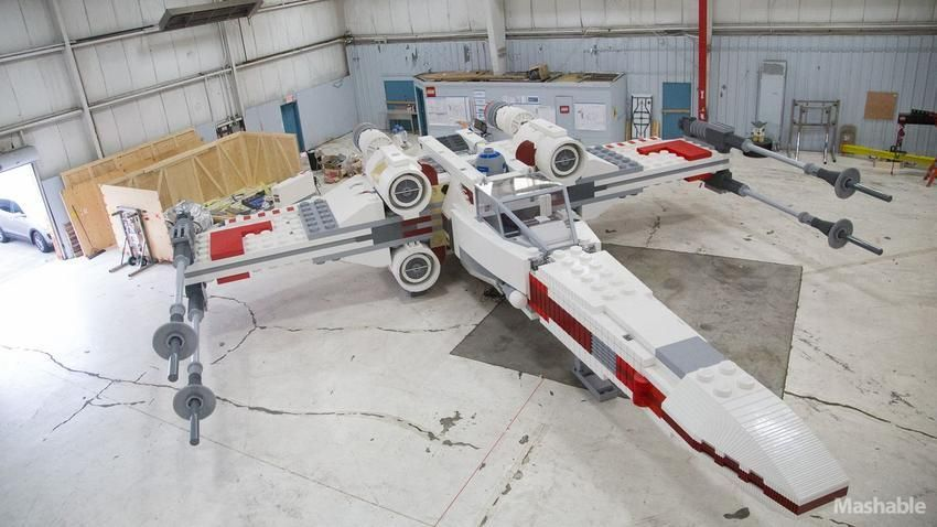 LEGO Built an Epic Full Size X-Wing! - News - GeekTyrant