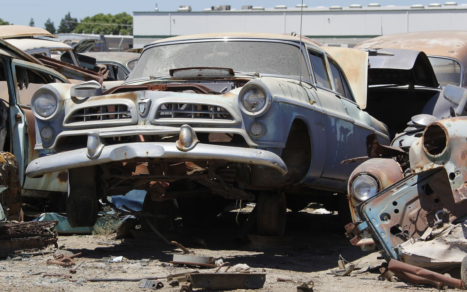 junkyard-vintage-cars-turners-auto-wrecking-fresno-california-260 ...