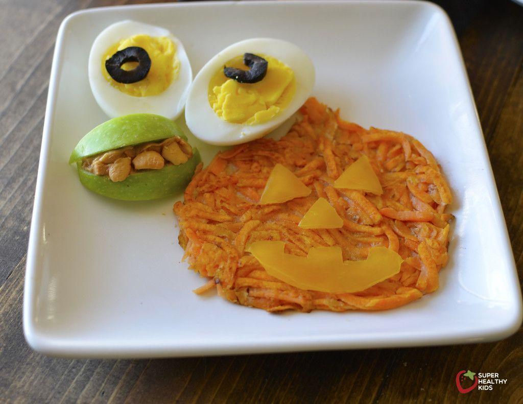 Healthy & festive really CAN go together! #halloweenbreakfastforkids Fun Halloween breakfast to start the festivities in a healthy way! #halloweenbreakfastforkids