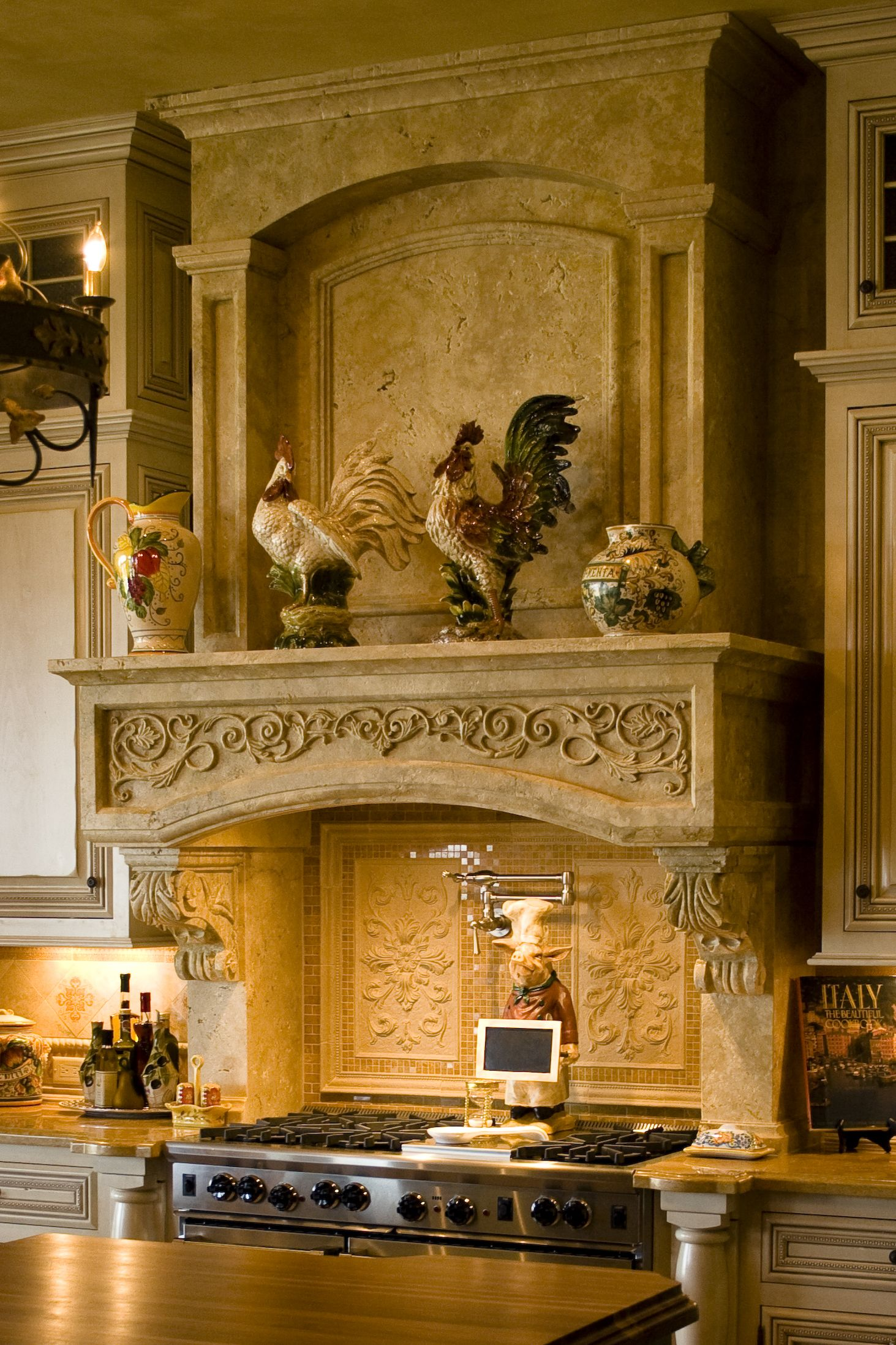 Love the roosters, I only need a mother hen, and a rooster, maybe some baby chicks as well?  (I always have liked them for kitchen decor).