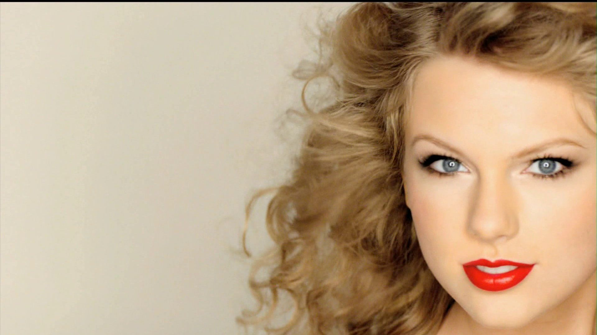 Hollywood Celebrities Taylor Swift Red Lipstick Face Close ...