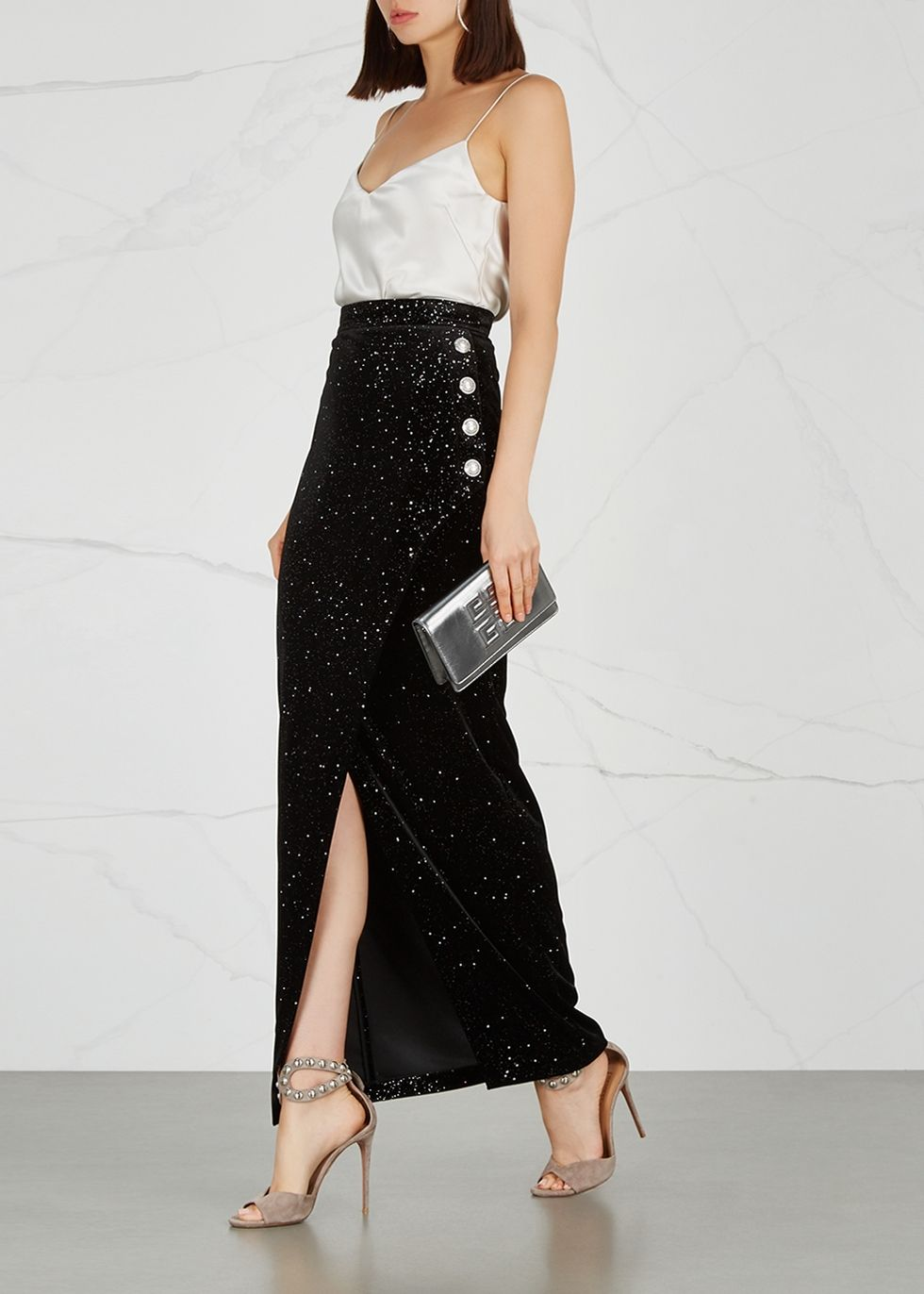 Communication on this topic: 33 Shamelessly Sparkly Ways to Wear Sequins , 33-shamelessly-sparkly-ways-to-wear-sequins/