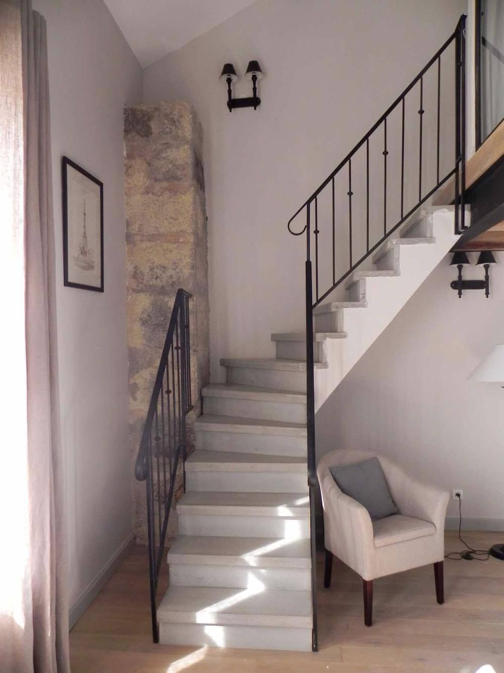 escalier b ton gris 1 4 tournant nez de marche carr garde corps m tallique escalier. Black Bedroom Furniture Sets. Home Design Ideas