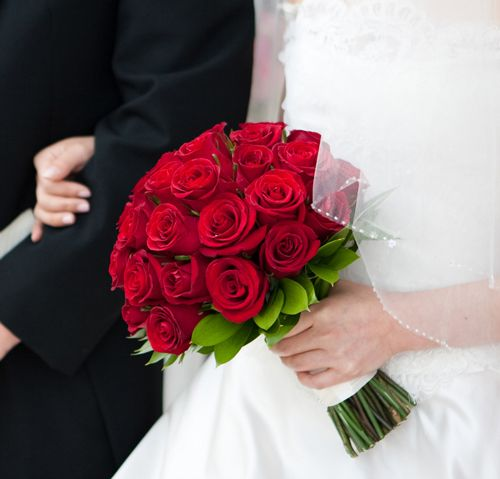 Pictures Of Wedding Bouquets Roses : Red rose wedding bouquet bouquets