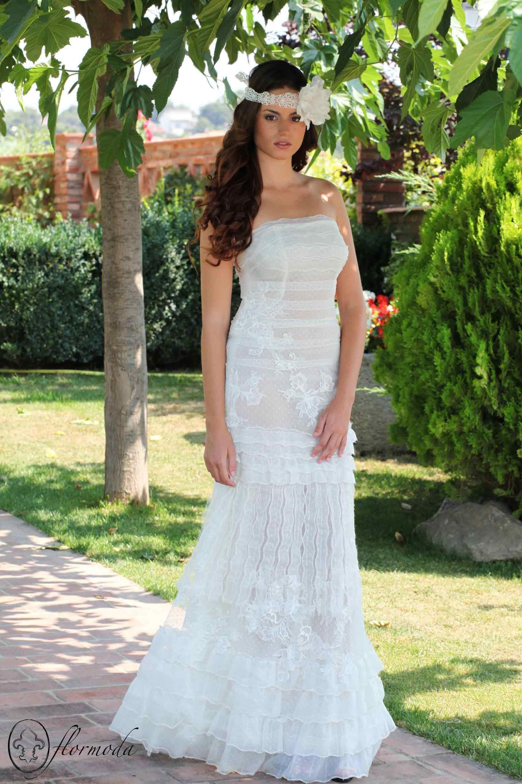 Cinta vintage Flormoda con vestido YolanCris   Coiffures mariage ...
