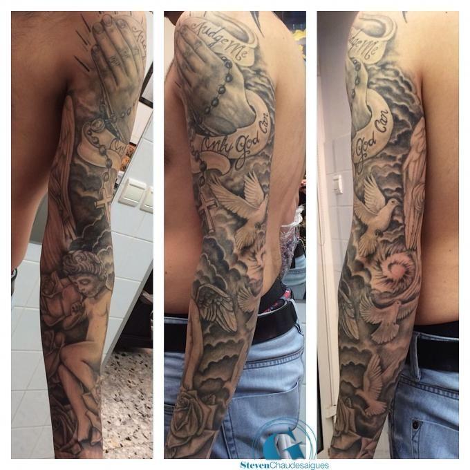 Le Client De Steven Voulait Un Tatouage Sur Le Theme De La Religion