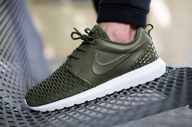 "Nike Roshe Run ""Leather and Flyknit"" #shoes #sneakers #nike #roshe #nikerosherun #nikerosheone #flyknit #premium"