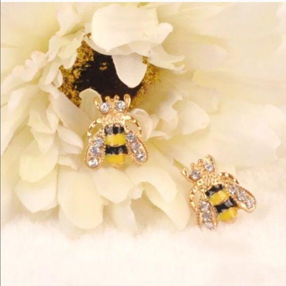 Bumblebee Stud Earrings 🐝 Brand New. Jewelry Earrings
