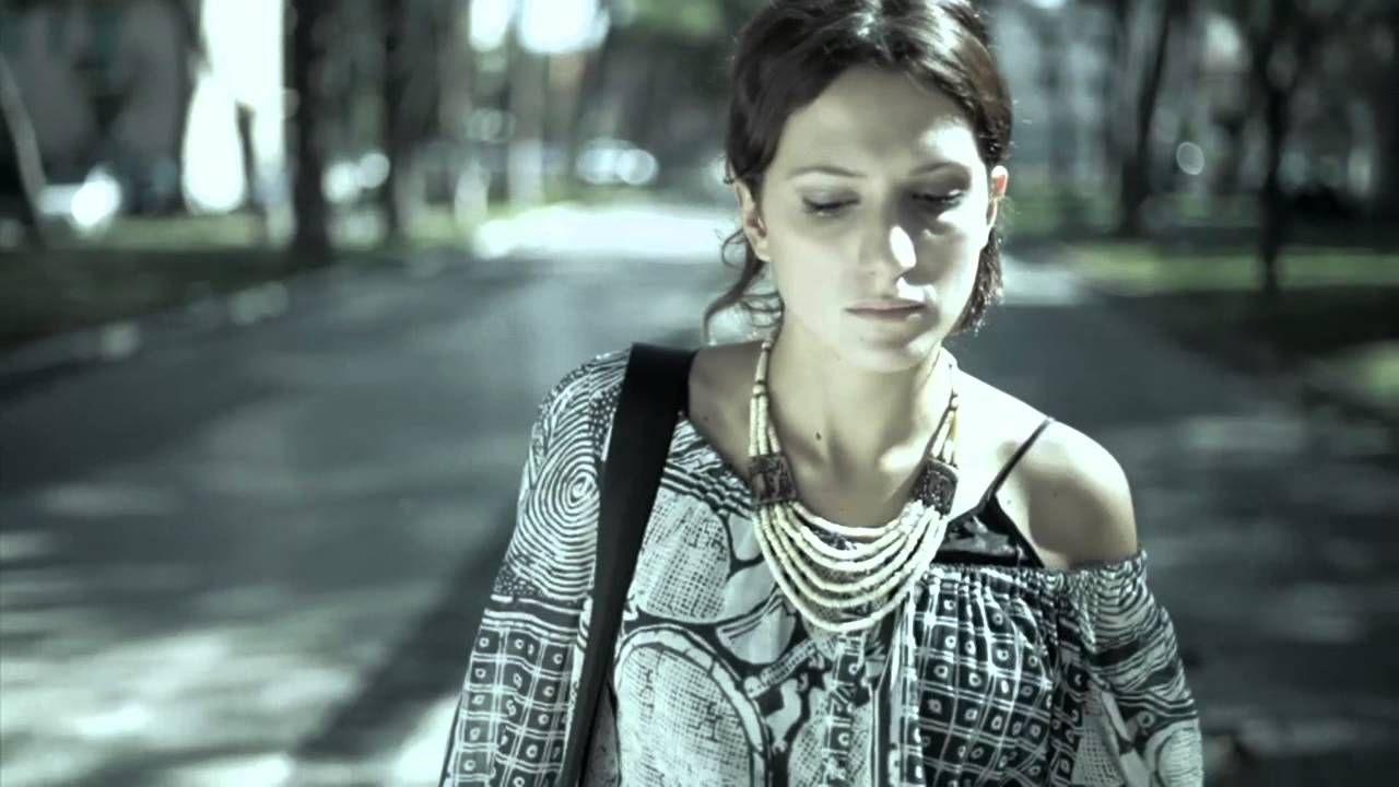 Terra degli Uomini - Lorenzo Jovanotti (street video), via YouTube.