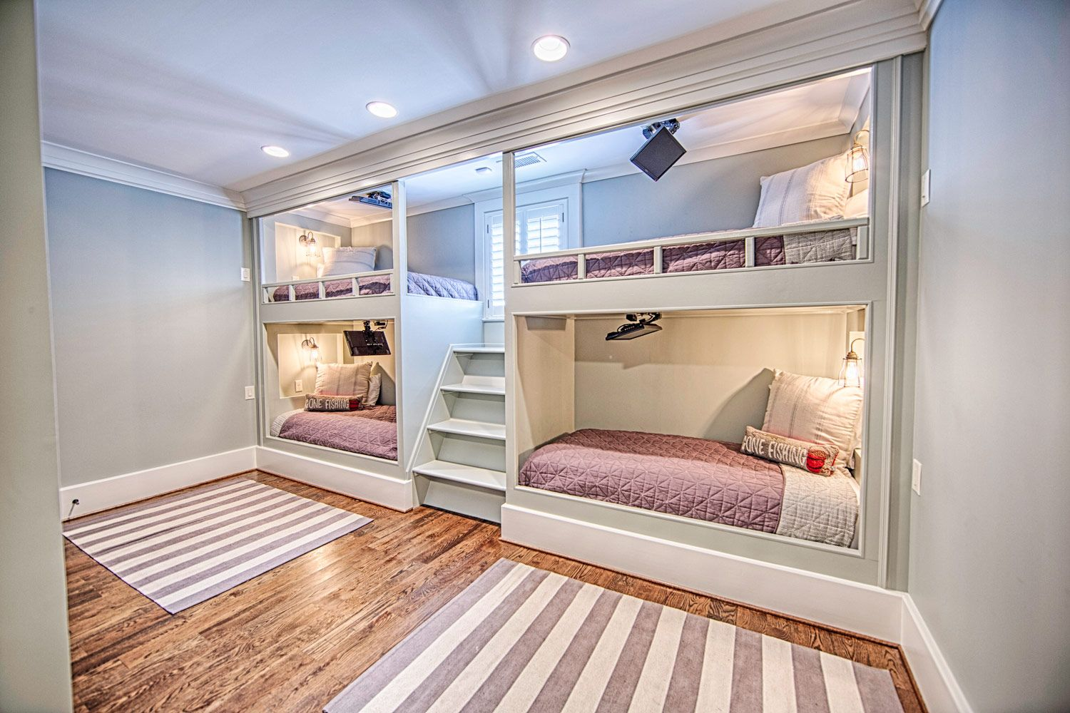 Best This Custom Designed Set Of Four Bunk Beds Contains Video 400 x 300