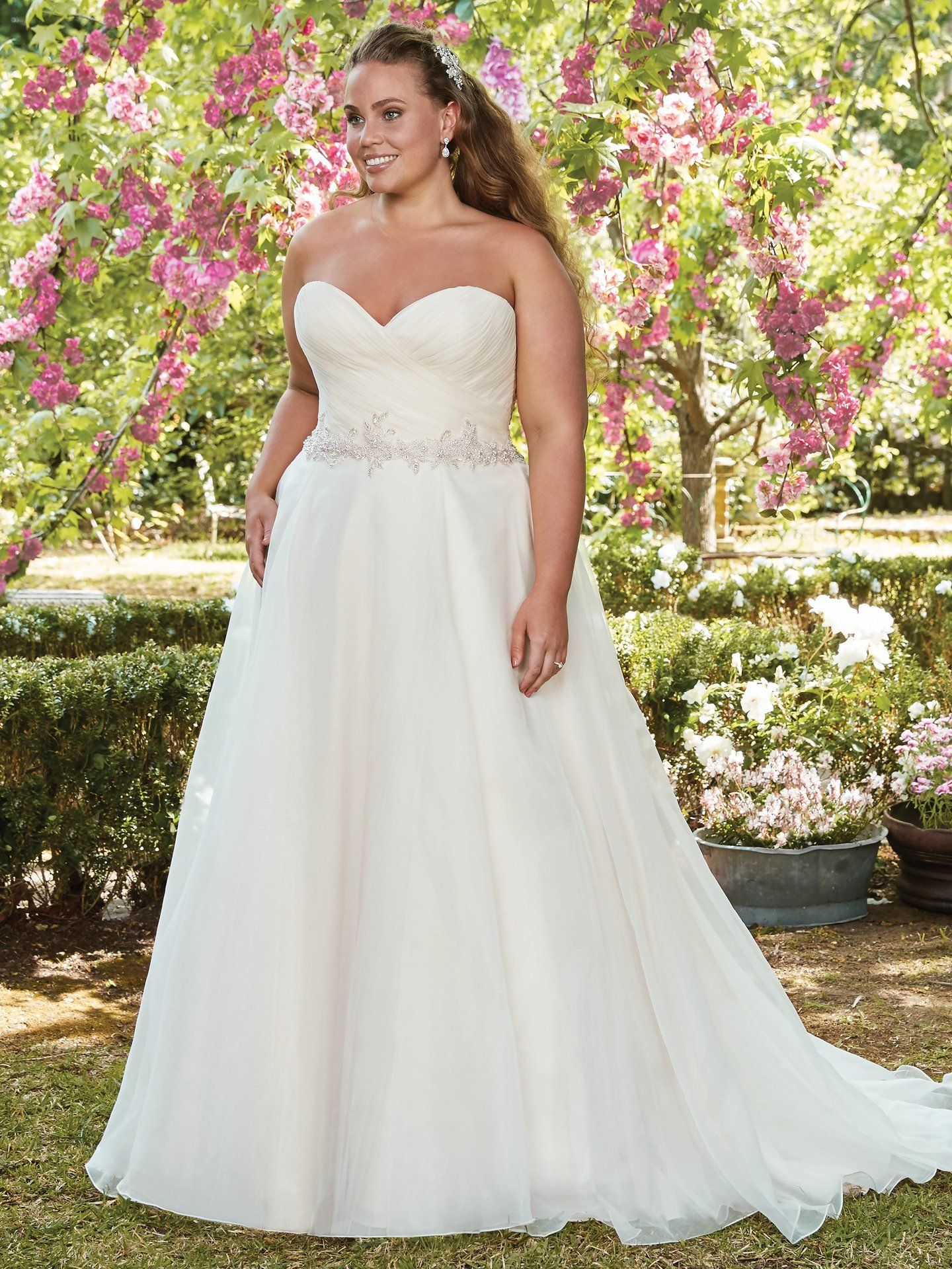 Wedding dress for your body  Weuve Found the Perfect Dress for Your Body Type  Wedding dress