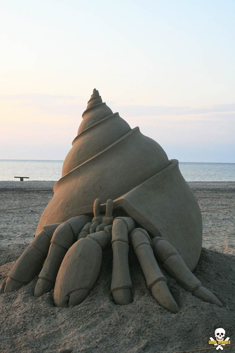 Sand Sculptures – Les impressionnantes sculptures de sable ... Hermit Crab Art