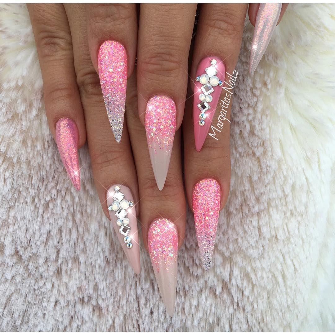 "4,576 Likes, 29 Comments - Margarita (@margaritasnailz) on Instagram: "" —–————————————————— Pink glitter stilettos @vetro_usa colors # 203 # 213 #187 #nails…"""