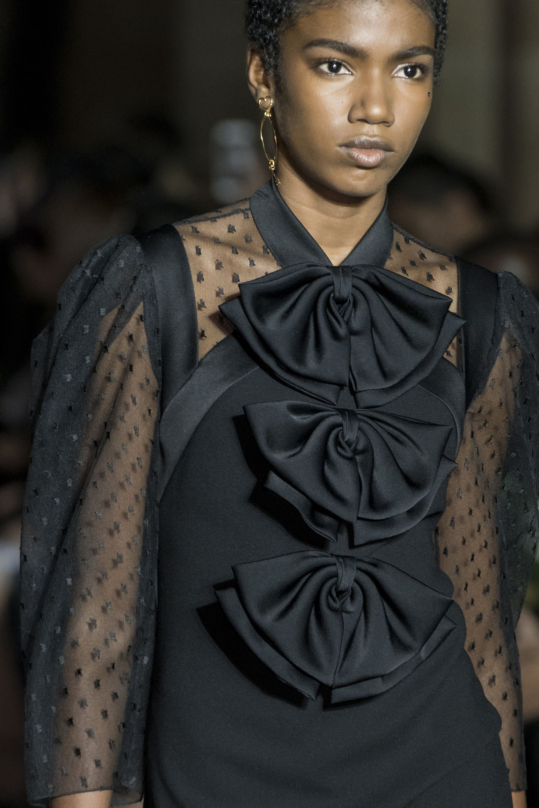 Givenchy spring fashion show details the impression details
