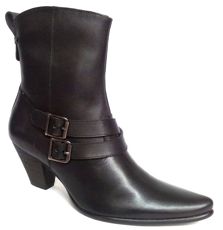 Get to the point with this stylish double buckle boot.