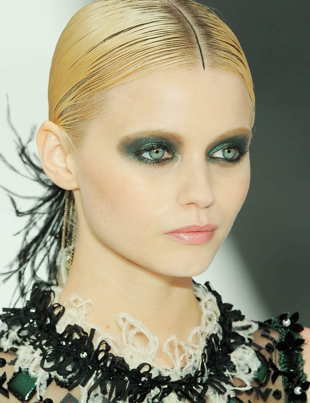 Chanel Best Makeup Looks Chanel makeup, Beauty tips