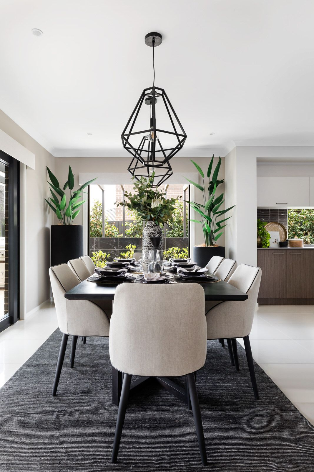 Strike The Ideal Balance By Pairing Contemporary Sleek Furniture And Handmade Accessories To Crea With Images Stylish Dining Room Luxe Dining Room Dining Room Table Decor