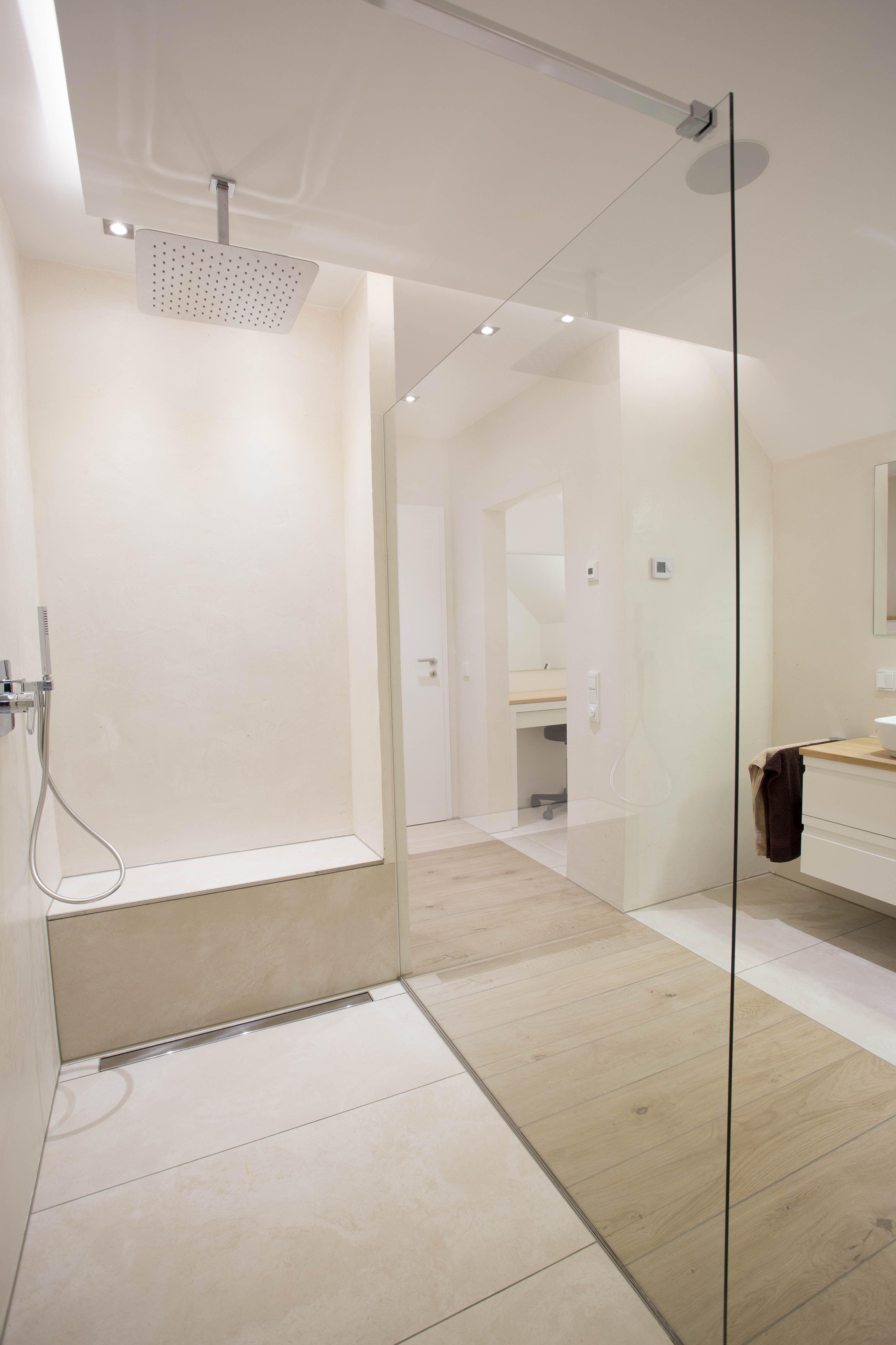 Mineralischer Edelputz In Fugenloser Dusche Dusche Renovieren