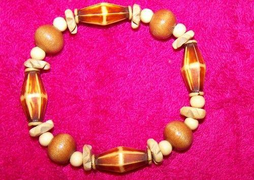 Wood beaded bracelet by mrsgreenjeansnthings.com